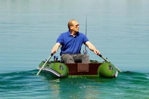 НОВИНКА! Одноместная рыбацкая лодка Bobrenok BOATHOUSE